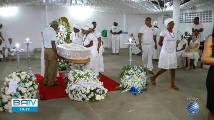Após decisão judicial, corpo de Mãe Stella de Oxóssi é transferido para Salvador