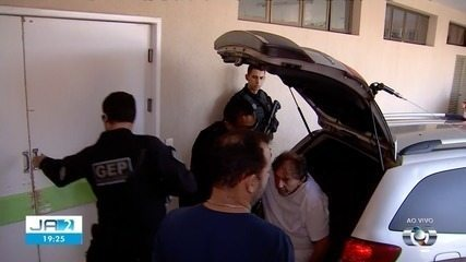 João de Deus passa mal na cadeia e é levado para hospital