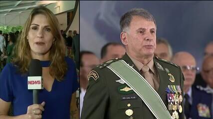 Bolsonaro participa da cerimônia de troca de comando do Exército