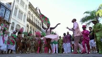 "Coluna ""Enredo e Samba"" mostra o que a Mangueira vai levar para avenida"