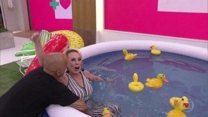 Ana Maria Braga é jogada nas piscina montada na 'Casa de Cristal'