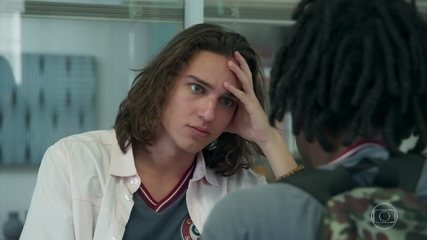 Tito pensa em conversar com Solange para recuperar a caixa de Heitor