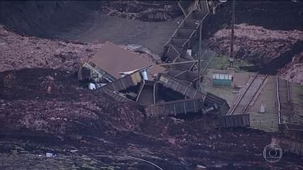 Técnicos avaliam extensão do dano ambiental de rompimento da barragem