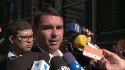 Coaf conclui que renda de Flávio Bolsonaro não explica dinheiro em conta, diz revista