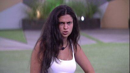 Hana pergunta se Alan está com raiva e brother responde: 'Total'