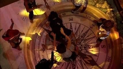 Rízia e Danrley fazem a 'Dança do Créu' no chão da pista