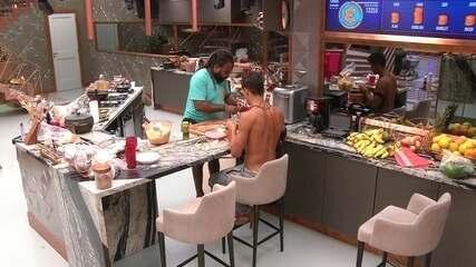 Rodrigo e Danrley seguem cozinhando