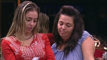 Tereza alerta sobre o próximo mercado e Paula revela torcida pela sister