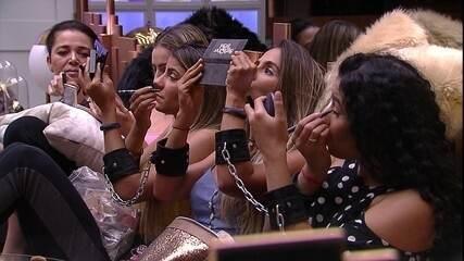 Hariany ensina truque de maquiagem para Tereza