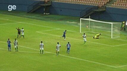 Bernardo cobra pênalti forte e faz o terceiro para o Naça