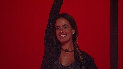 Eliminada da prova, Gabriela escolhe Carolina para ficar uma semana sem piscina