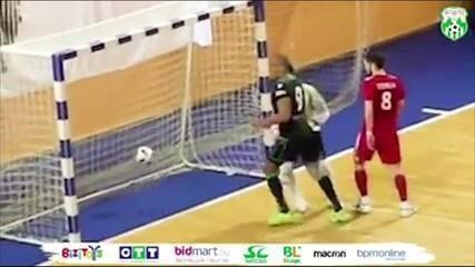 Brasileiro Betão faz gol de mão, avisa árbitro e lance é invalidado na Bielorrússia