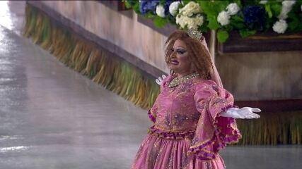 Comissão de frente da Viradouro tem drag princesa