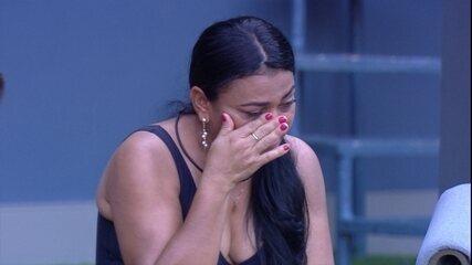Família no BBB: mãe de Elana se emociona: 'Muita saudade dela'