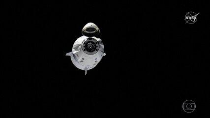 Cápsula retorna à Terra depois de viagem de teste