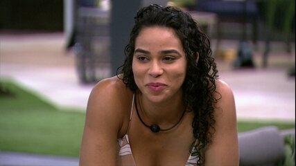 Elana brinca sobre massagem de Rodrigo: 'Deve usar essas artimanhas'