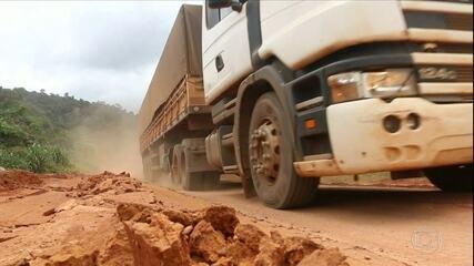 Atoleiros na BR163 prejudicam o escoamento da soja que sai de Mato Grosso