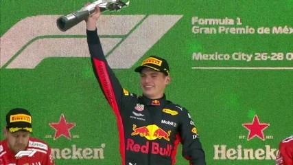 Mais jovem piloto a vencer uma corrida na Fórmula 1, Max Verstappen conversa com a repórter Mariana Becker