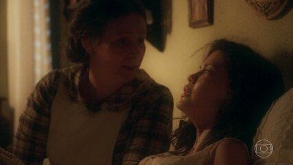 Cris/Julia enfrenta dificuldades no parto