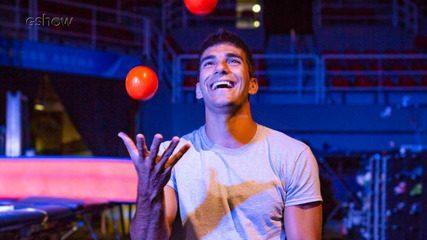 Hugo Moura conhece bastidores de espetáculo internacional