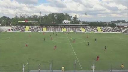 Leandro Rodrigues faz golaço pelo São Gabriel na Divisão de Acesso