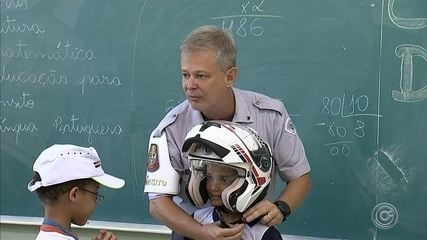 Crianças estão aprendendo sobre dirigir corretamente em Jundiaí
