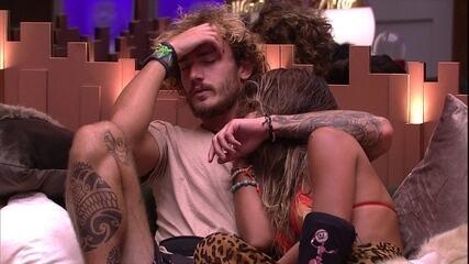 Alan consola Carolina após desclassificação de Hariany