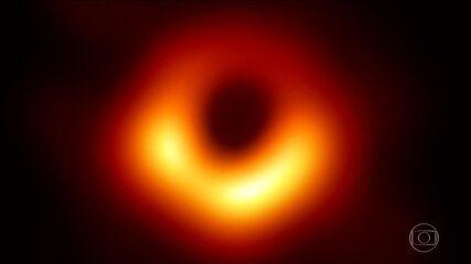 Primeira imagem de um buraco negro encanta cientistas