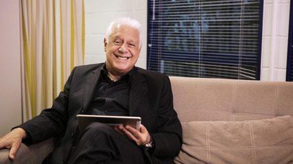 Antonio Fagundes faz 70 anos e recebe mensagens de amigos