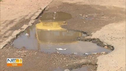 Buracos em Goiana provocam reclamações dos moradores e frase polêmica de prefeito