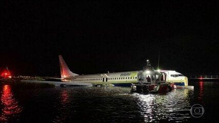 Avião pousa em rio na Flórida