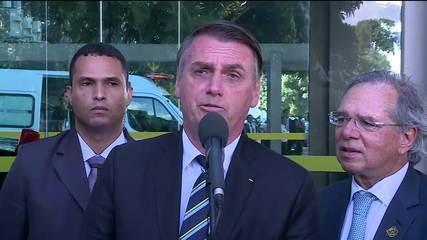 Bolsonaro nega divisão entre militares e seguidores de Olavo de Carvalho no governo