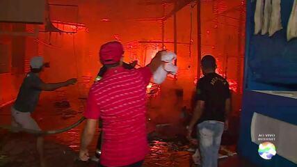 Incêndio é registrado no espaço da Brasilit na Feira da Sulanca em Caruaru
