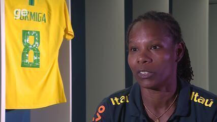 Das surras em casa a recordista na Seleção: conheça a história de Formiga