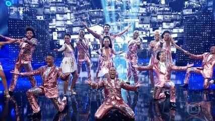 Grupo Filhos do Samba se apresenta no Dança de Grupo