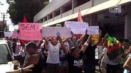 Estudantes fazem manifestação contra bloqueios na educação em Teresina - Crédito: Laércio Caldas