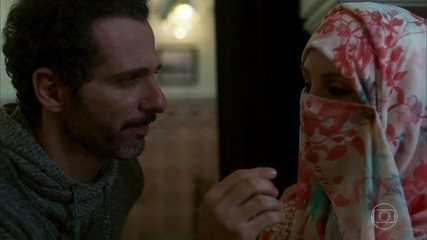 Ali aceita ficar noivo de Latifa