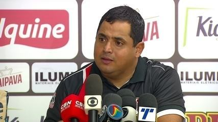 Veja a entrevista coletiva do técnico Leston Júnior após empate contra o Sampaio Corrêa