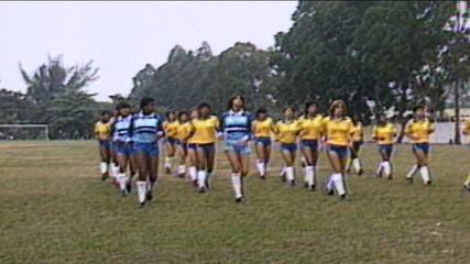 Superando preconceitos e humilhações, o futebol feminino no Brasil resiste às vésperas de mais uma Copa do Mundo