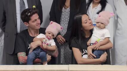 Irmãs Mel e Lis voltam para casa depois de 37 dias de internação