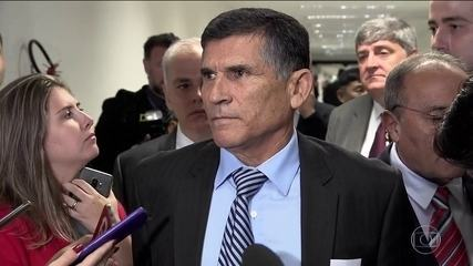 Bolsonaro demite general Santos Cruz, ministro da Secretaria de Governo