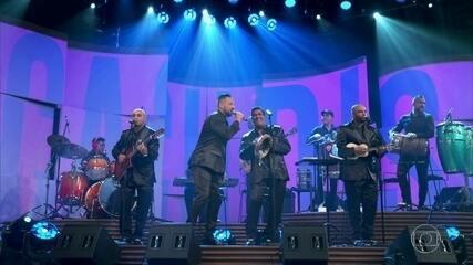 """Os Originais do Samba cantam """"Esperanças Perdidas"""""""