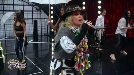 Veja a preparação de Danielle Winits para homenagear Boy George no 'Show dos Famosos'