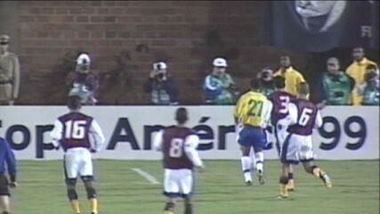Esporte Espetacular relembra estreia de Ronaldinho Gaúcho e gol antológico na Copa América de 1999