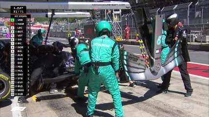 Hamilton faz pit stop para trocar o bico do carro e perde posição para Vettel