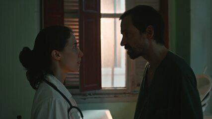 Carolina e Evandro discutem e ressentimentos e mágoas vêm à tona