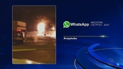 Concessionária pega fogo e mais de 10 carros ficam destruídos em Araçatuba