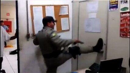 Vídeo mostra resgate de funcionários presos em depósito durante roubo em loja de Trindade