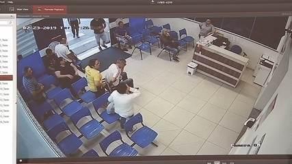 Câmeras mostram suspeito deixando namorada ferida com tiro no hospital