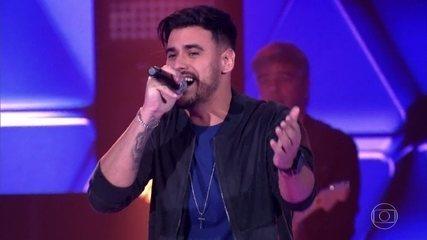 """Fernando Junior canta """"Trovão"""""""